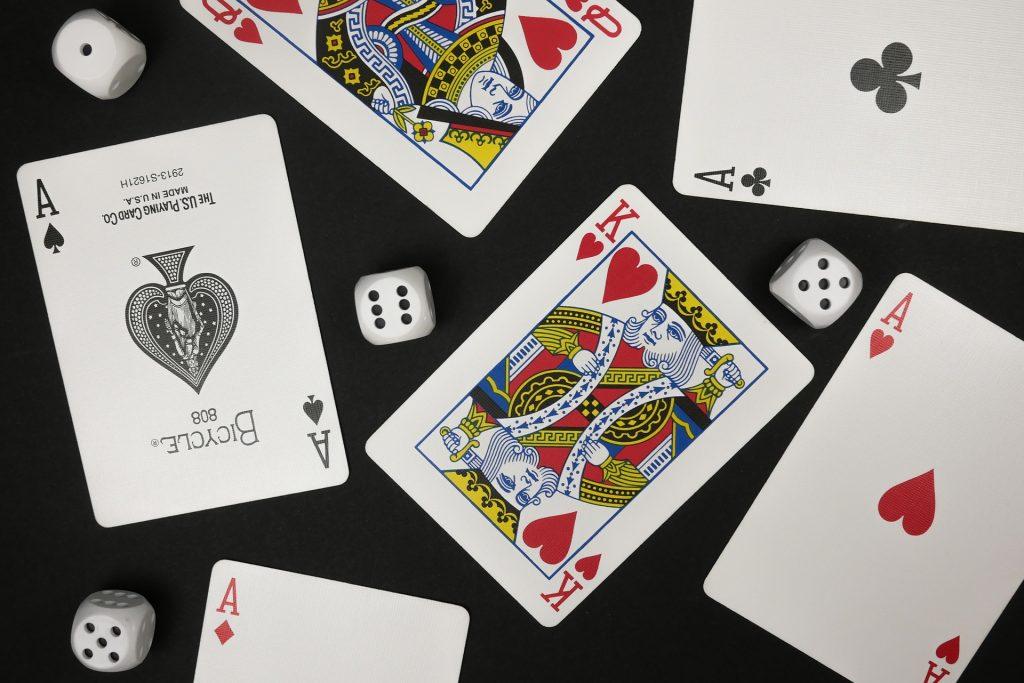 card-4425762_1920