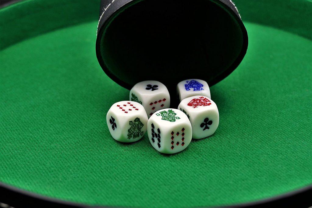poker-dice-3891482_1920